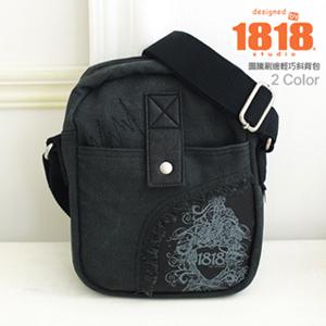 《限時5折》斜背包 美式塗鴉.圖騰刷邊輕巧斜背小包包 1818 黑(1850348-3)
