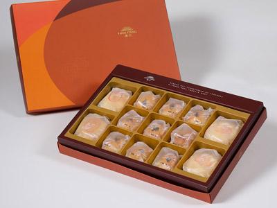 【御藏】綜合13入禮盒★綠豆椪*2+純綠豆椪*2+沖繩黑糖蛋黃酥*9(除綠豆椪外,其餘產品為蛋奶素)